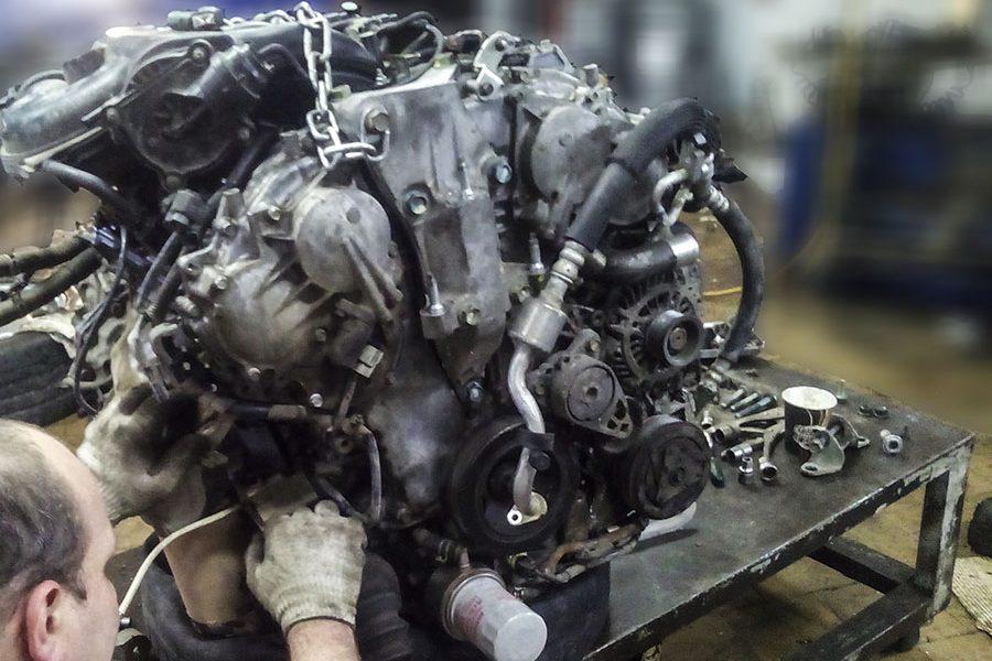 Nissan - ремонт движка